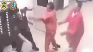 นักโทษฮีโร่ เข้าช่วยชีวิตผู้คุม หลังถูกนักโทษซ้อม