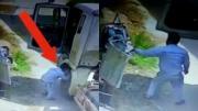 ชายชาวจีนจอดรถ ฉกชุดชั้นในตากหน้าบ้าน