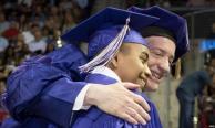 """""""เด็กอัจฉริยะ"""" รัฐเท็กซัสเรียนจบปริญญาตรีตั้งแต่อายุ 14 ปี"""