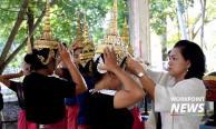 ด้วยใจภักดิ์ ! นักศึกษากว่า 100 ชีวิต ซ้อมโขนพระราชพิธีถวายพระเพลิงพระบรมศพ