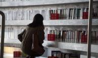 """""""ห้องสมุดเทียนจิน"""" ที่แท้สวยด้วยหนังสือเก๊"""